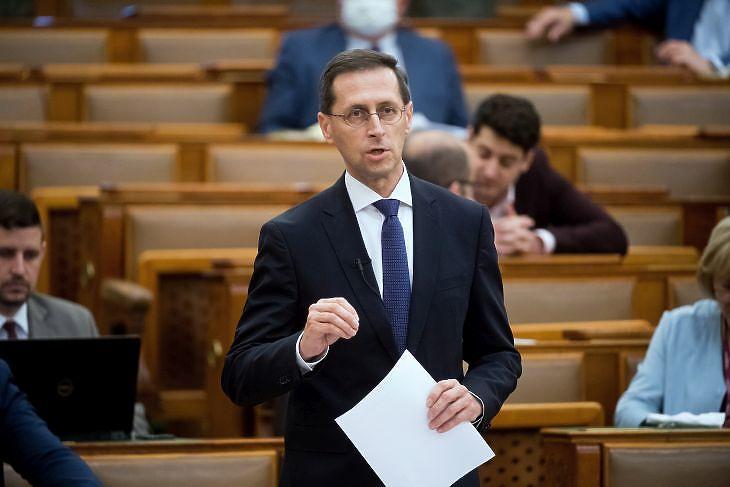 Varga Mihály pénzügyminiszter az Országgyűlésben 2020. május 11-én. MTI/Koszticsák Szilárd