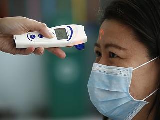 Továbbra is gyorsan terjed a koronavírus a világban