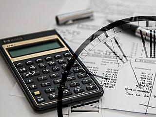 Új módszerrel adóztatnák meg az online cégeket