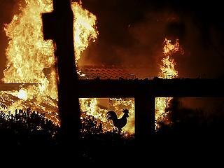 Kitört a pokol Görögországban - több tucatnyian meghaltak