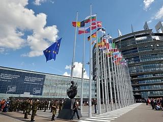 Brüsszel pénzt küld: 70 milliárd forintot adnak 2 építkezésre