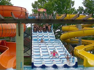 Razzia az aquaparkokban - szerinted hány játékkal volt gond?