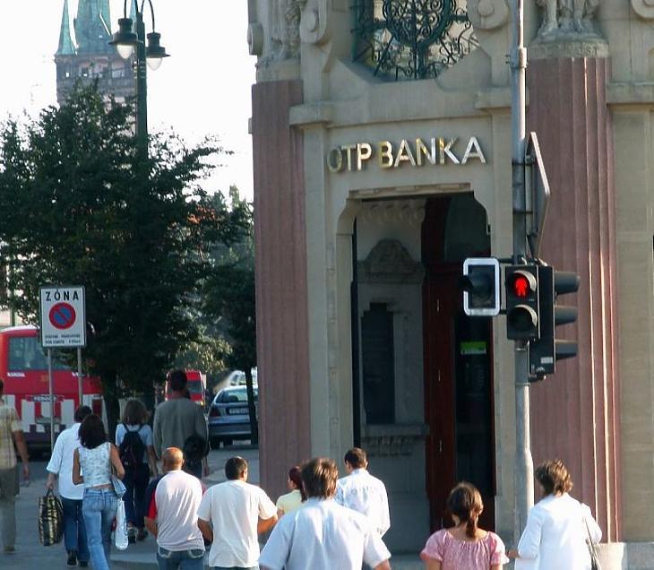 OTP-fiók Szlovákiában (archív kép, EJ)