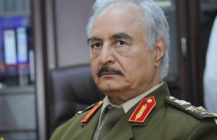 Keménykezű tábornok tehet rendet Líbiában