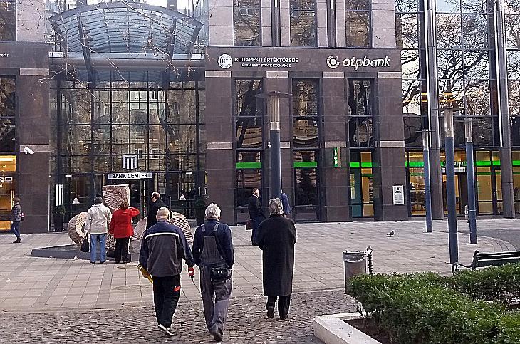 A Budapesti Értéktőzsde és az OTP egyik részlege egy fedél alatt. Elválaszthatatlanok. (Fotó: EJ)
