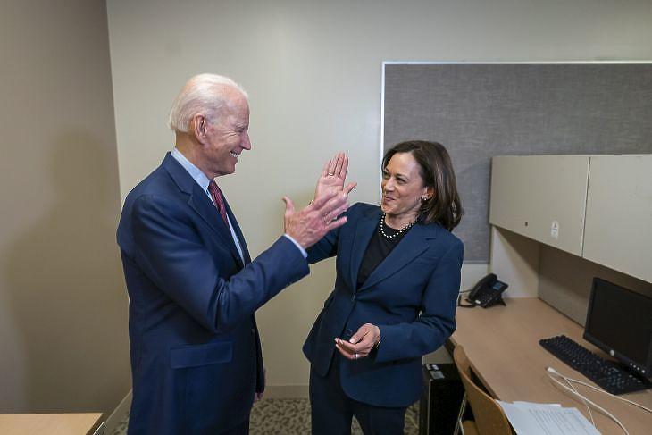 Joe Biden és alelnök jelöltje Kamala Harris (Fotó: EPA / Adam Schultz)