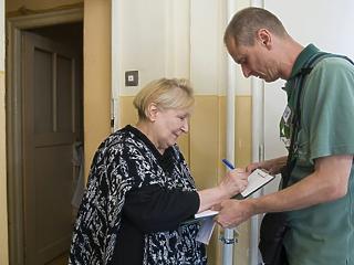 A nyugdíjasok közel kétharmada már megkapta a rezsiutalványt