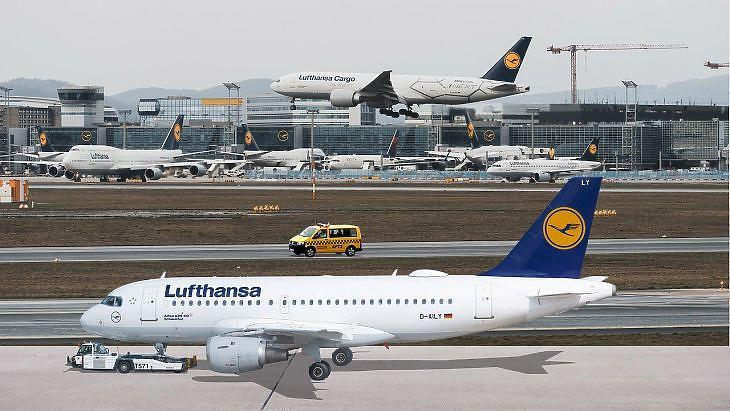 Megszületett az alku: komoly támogatást kap a bajba jutott légitársaság