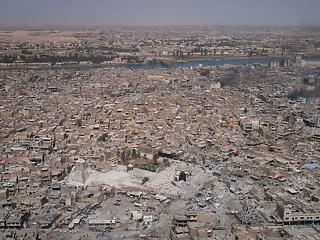 Kifüstölték a terroristákat – de kinek van ennyi pénze újraépíteni Irakot?