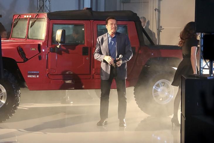 Kaliforniában betiltják a dízel, a benzines és a hibrid autók forgalmazását