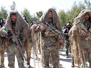 Több ezer amerikai katonát vonnak ki Afganisztánból