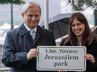 A nap képe: Tarlós István Budapest legújabb parkjában járt