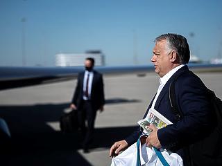 Össztűzben fogadja Boris Johnson Orbán Viktort