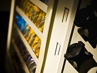 Felkészülhetnek az automatákat üzemeltetők: új 100 forintos jön