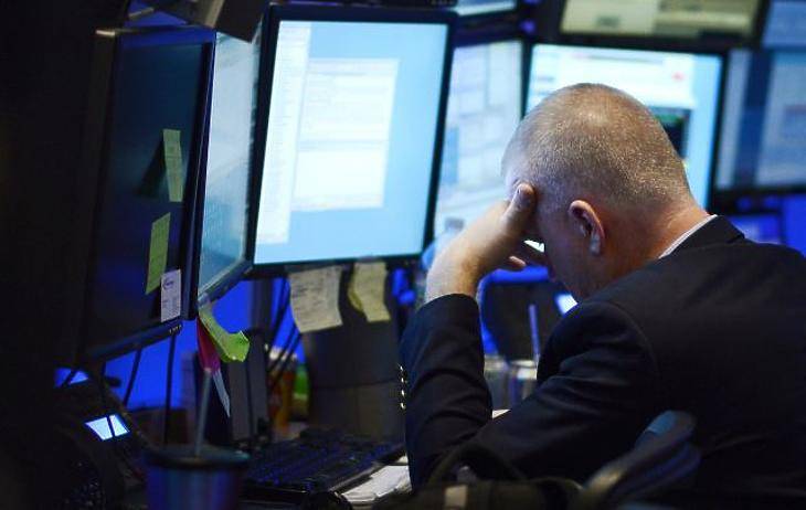 Borús hétkezdet: zuhanórepülésben az európai részvények
