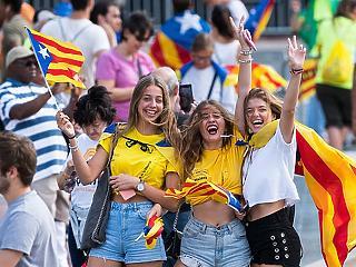 Új fordulat a katalán függetlenség ügyében: kilenc politikust börtönbe küldenek