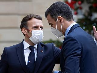 Covid: Macron lázas és köhög, Magyarország megelőzte Svédországot