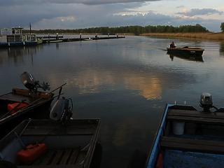 Úszófalut építenek a Tisza-tóra