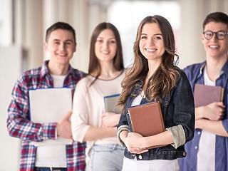 Kapkodnak az újra piacra került Diákhitel Pluszért