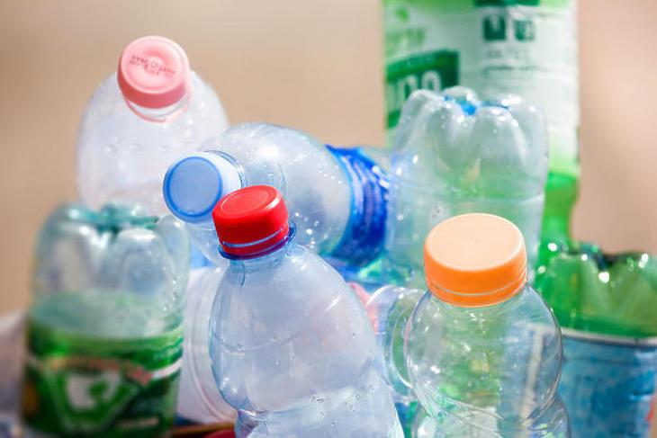 Lassan talán itthon is csökkenni fog a műanyag hulladék (Forrás: depositphotos.com)