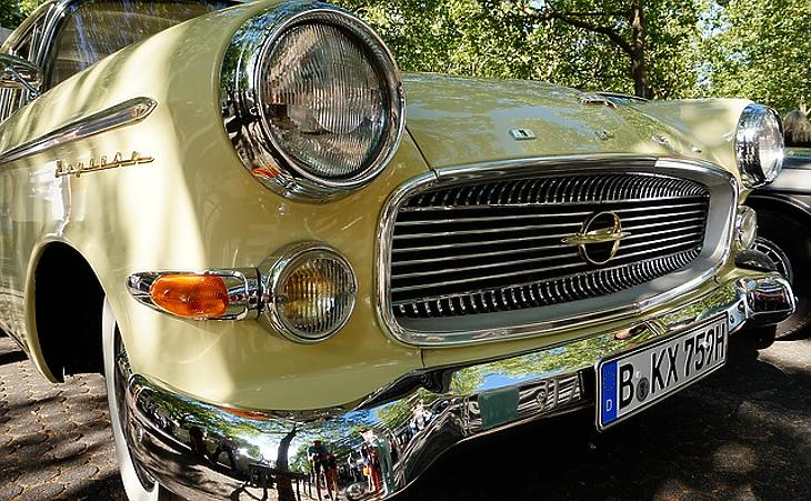Muzeális Opel (Pixabay.com)