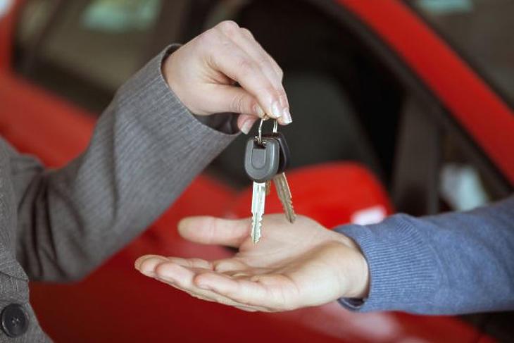 Kilőtt a piac - a használt autókat nagyon veszik