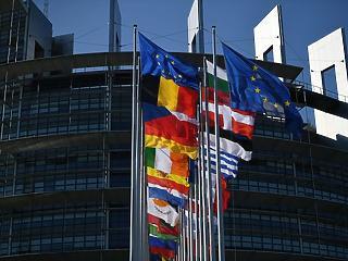 Kitört a háború az Európai Parlamentben, már készül az ellencsapás
