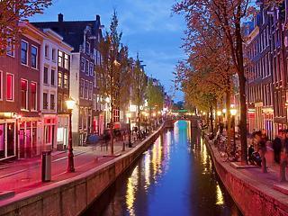 Bezárnák Amszterdam vörös lámpás negyedét