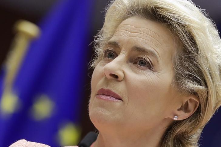 Ursula von der Leyen az Európai Parlamentben Brüsszelben 2020. szeptember 16-án. EPA/OLIVIER HOSLET