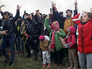 Radikálisan csökken az Európát elérő migránsok száma