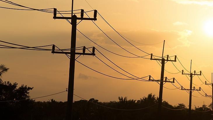 A home office-tól sem fogunk áramfogyasztási rekordot dönteni idén nyáron
