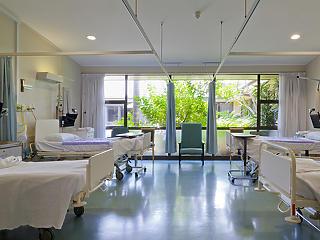 Mikor oldják fel a 36 ezer kórházi ágykapacitást?