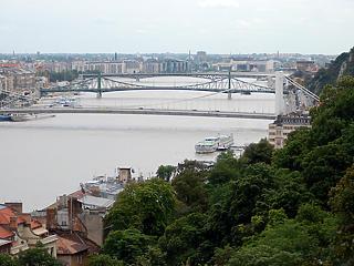 Budapestre ki lehet tenni a megtelt táblát