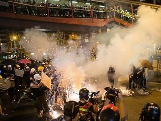 Nő a feszültség: letartóztatták a Kína ellenes tüntetéssorozat szervezőit