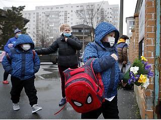 25 százalékkal ugrott meg az új fertőzöttek heti száma Romániában az előző hetihez képest