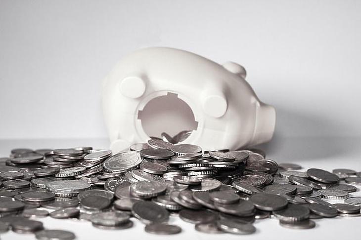 7 év után vette észre az MSZP, lenyúlták a nyugdíjpénzeket