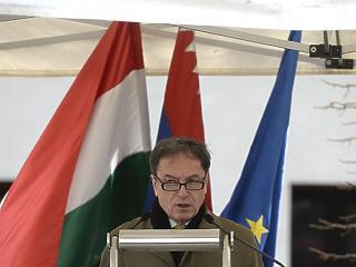 Orbán gerinctelen politikát folytat Amerikával szemben – interjú hazánk volt washingtoni nagykövetével