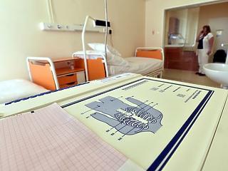Sürgősen új mentőkre van szüksége a Honvédkórháznak