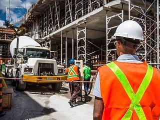 Kevés épület épül, minden más viszont hasít az építőiparban
