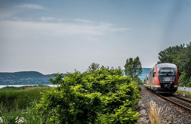 Már április 30-ig lehet díjmentesen visszaváltani a nemzetközi vonatjegyeket