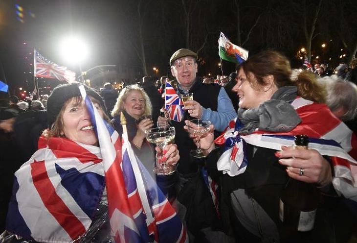 A skótok lázadnak, Johnson ünnepel, Macron aggódik – ez történt a Brexit éjszakáján