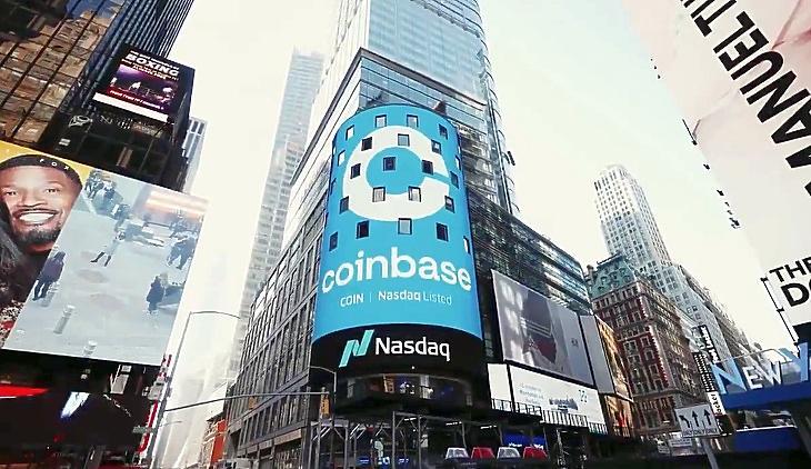 A Coinbase bevezetésének reklámja New York szívében (forrás: Coinbase a Twitteren)