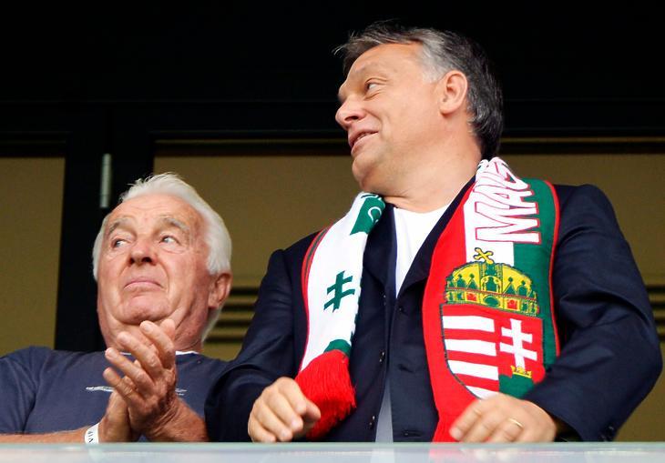 Orbán Viktor és apja, Orbán Győző. (Képkivágás, eredeti fotó: MTI/Beliczay László)