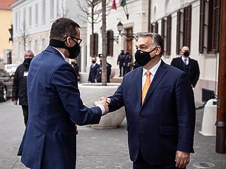 Budapest után Varsóban tárgyal Orbán Viktor a vétóról