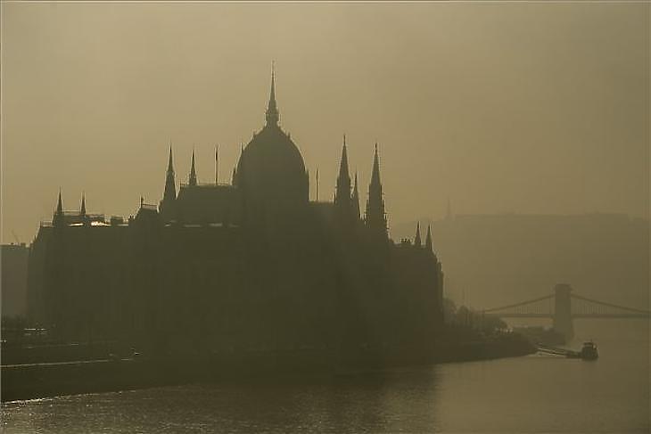 Borús a kép Budapesten (Fotó. Balogh Zoltán/MTI)