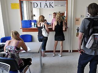 Beindultak a diákok, kicsit csökkent a szezonális munkaerőhiány