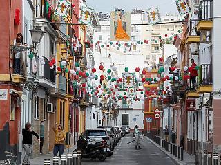 42 nap után ismét kimehetnek az utcára a spanyol gyerekek