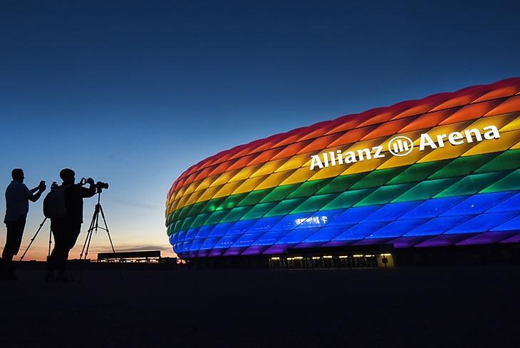 Német-magyar: kitört a szivárványháború, mégis kivilágítanak stadionokat