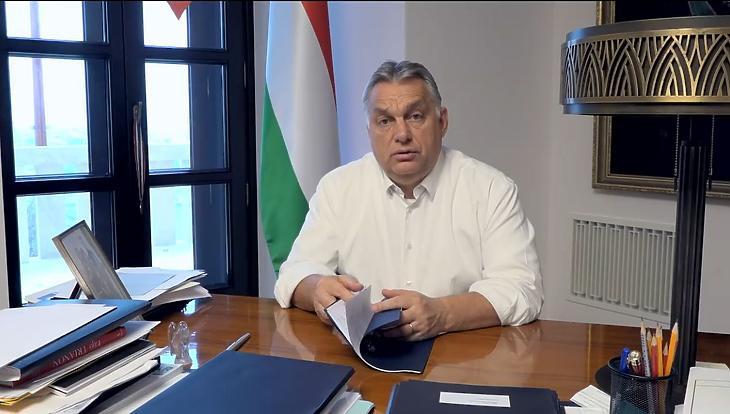 Orbán Viktor aláírta: visszajön az idősek vásárlási sávja
