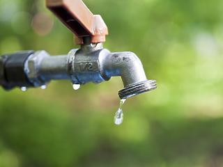 Azonnali, 10 milliárdos segítség kell a hazai víziközműcégeknek
